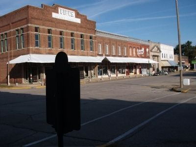 Auntie Gogin's Store Marker ( & Opera House in Background ) image. Click for full size.