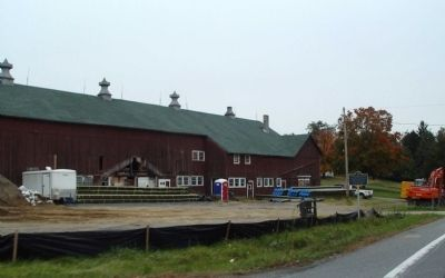 Street view of current barn at site. image. Click for full size.