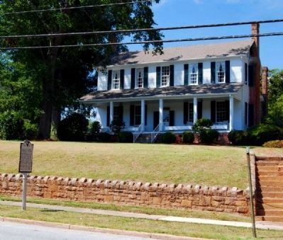 Watts Todd Dunklin House (ca. 1812)<br>544 West Main Street image, Click for more information