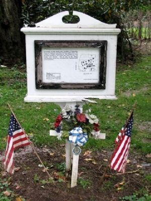 Revolutionary War Burial Site Marker image. Click for full size.