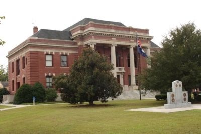 Clarendon County Courthouse image. Click for full size.