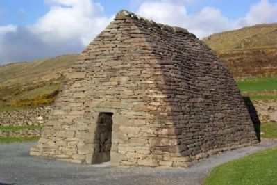 Gallarus Oratory image. Click for full size.