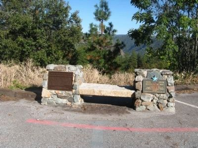 Cape Horn Promontory and Blue Star Memorial Highway Markers Photo, Click for full size