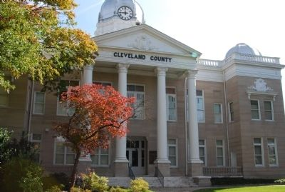 Cleveland County Courthouse image. Click for full size.