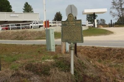 To Gov. Troup's Tomb Marker at intersection of Ga 199 & Ga 46 image. Click for full size.
