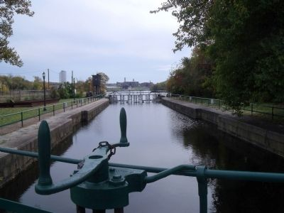 View from the great lock towards Rocketts Landing. image. Click for full size.