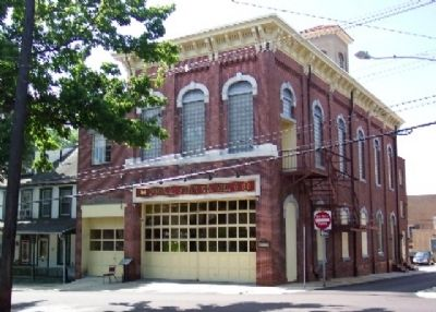 Philadelphia Steam Engine Fire Co. #1 Firehouse and Marker image. Click for full size.