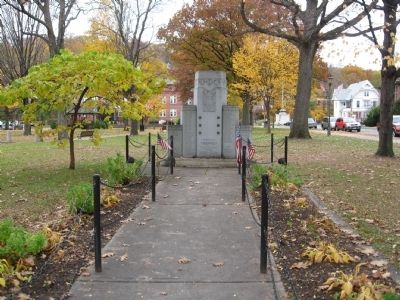 Naugatuck Veterans Monument image. Click for full size.