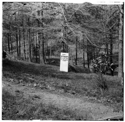 Grave of Gen. J. E. B. Stuart in Hollywood Cemetery, with temporary marker. Photo, Click for full size