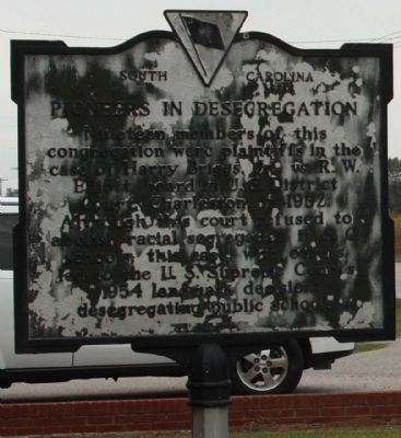 Pioneers in Desegregation Marker image. Click for full size.