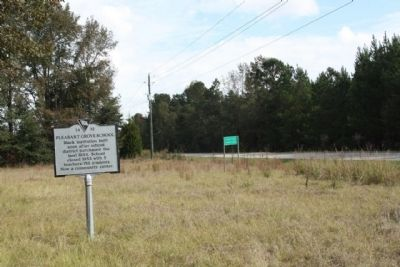 Pleasent Grove School Marker, seen along southbound US 301 image. Click for full size.