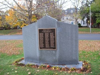 Middletown World War II Monument Photo, Click for full size