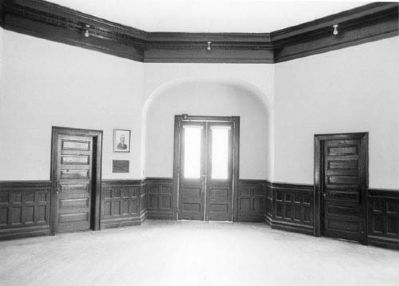 Hanna Levi Memorial Library / Manning Library entrance image. Click for full size.