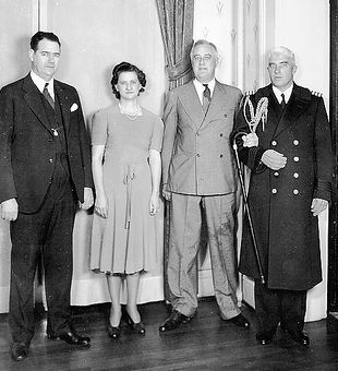Olin D. and Mrs. Johnston with<br>President Franklin D. Roosevelt<br>and a Naval Aide Photo, Click for full size