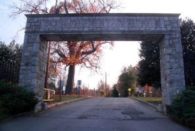 Joseph Bryan Park Gate image. Click for full size.