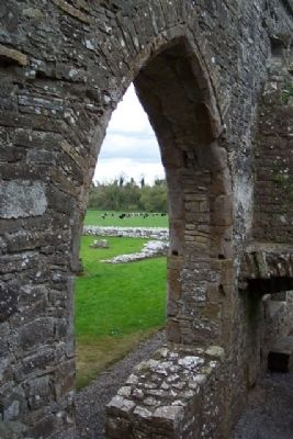 Bective Abbey Window image. Click for full size.