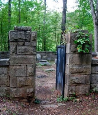 Badwell Cemetery Entrance Photo, Click for full size