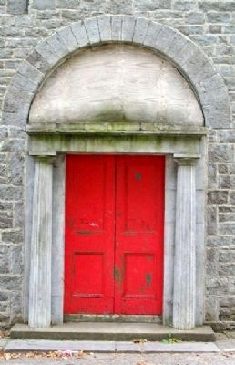 Duleek Courthouse Doric Door-case and Fanlight image. Click for full size.