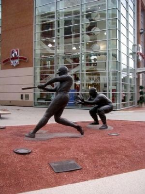 Frank Robinson Statue and Marker image. Click for full size.