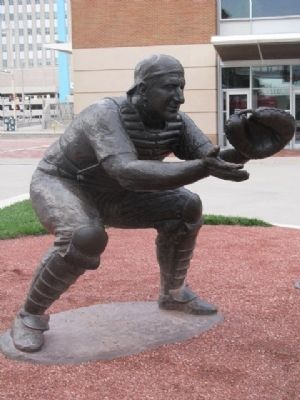 Ernie Lombardi Statue image. Click for full size.