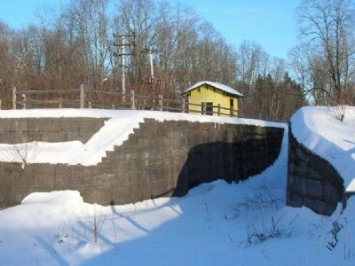 Enlarged Erie Canal Lock 23 Photo, Click for full size