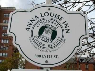 Anna Louise Inn Sign image. Click for full size.