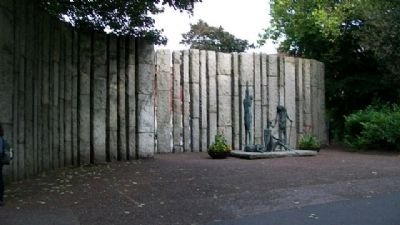 Reverse of Theobald Wolfe Tone Memorial image. Click for full size.