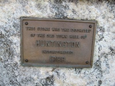 Small Plaque on the Monument image. Click for full size.