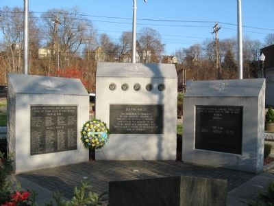 Ansonia Veterans Monument image. Click for full size.