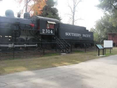 Southern Pacific Engine #2914 and Marker image. Click for full size.