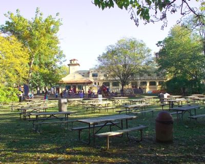 Picnic Tables image. Click for full size.