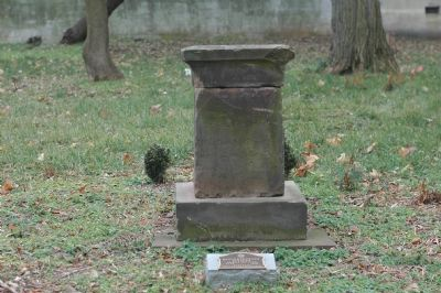 Headstone and Plaque Photo, Click for full size
