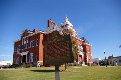 Monroe County Marker and Courthouse image. Click for full size.