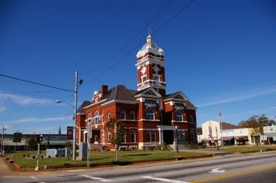 Monroe County Courthouse, built in 1825 image. Click for full size.