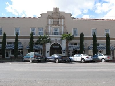 Front of El Paisano Hotel image. Click for full size.