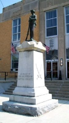 Vinton County Civil War Memorial image. Click for full size.