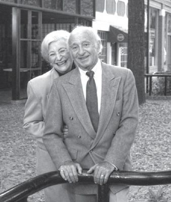 Max and Trude Heller Photo, Click for full size