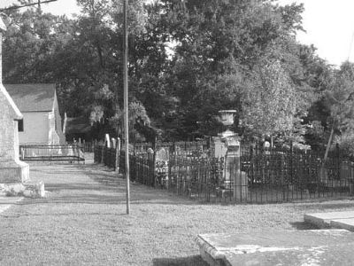 Holy Cross Churchyard image. Click for full size.