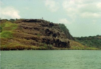 Contractors Hill in the Gaillard Cut Of The Panama Canal Photo, Click for full size