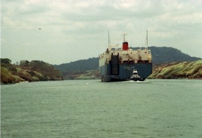 Southbound view of Gaillard Cut with a container ship transiting the canal. Photo, Click for full size