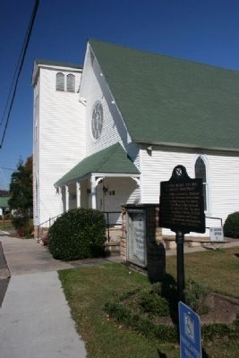 Ebenezer Hearn Marker Stands Next to Blounstville First United Methodist Chruch Founded 1818 image. Click for full size.