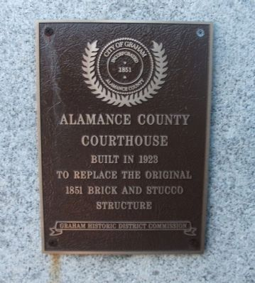 Marker on the Courthouse Photo, Click for full size