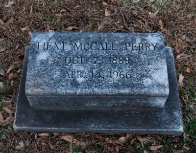 Hext McCall Perry (1889-1966) Tombstone image. Click for full size.