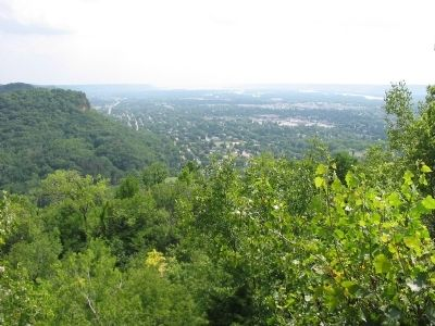 View from Grandad Bluff image. Click for full size.