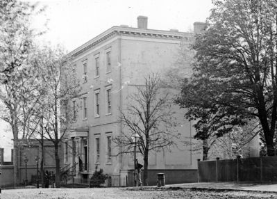 Richmond, Va. Residence of Jefferson Davis (1201 East Clay Street); a closer view image. Click for full size.