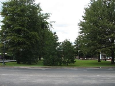 The Square Park in Courtland Al image. Click for full size.