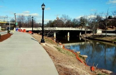 Swamp Rabbit Tram Trail -<br>Heading North Along the Reedy River<br>Towards River Street image. Click for full size.
