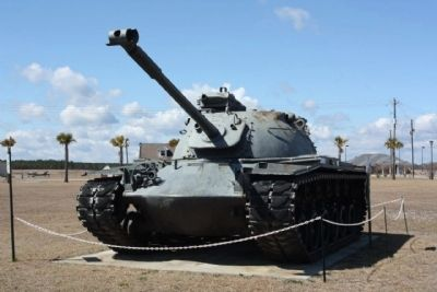 A nearby Tank display at the Veterans Memorial image. Click for full size.