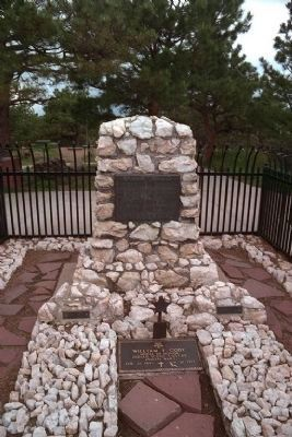 Buffalo Bill's Grave with Markers image. Click for full size.