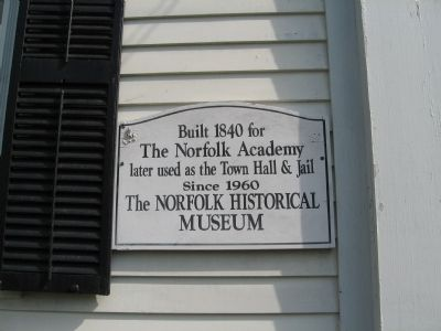 The Norfolk Academy Marker image. Click for full size.